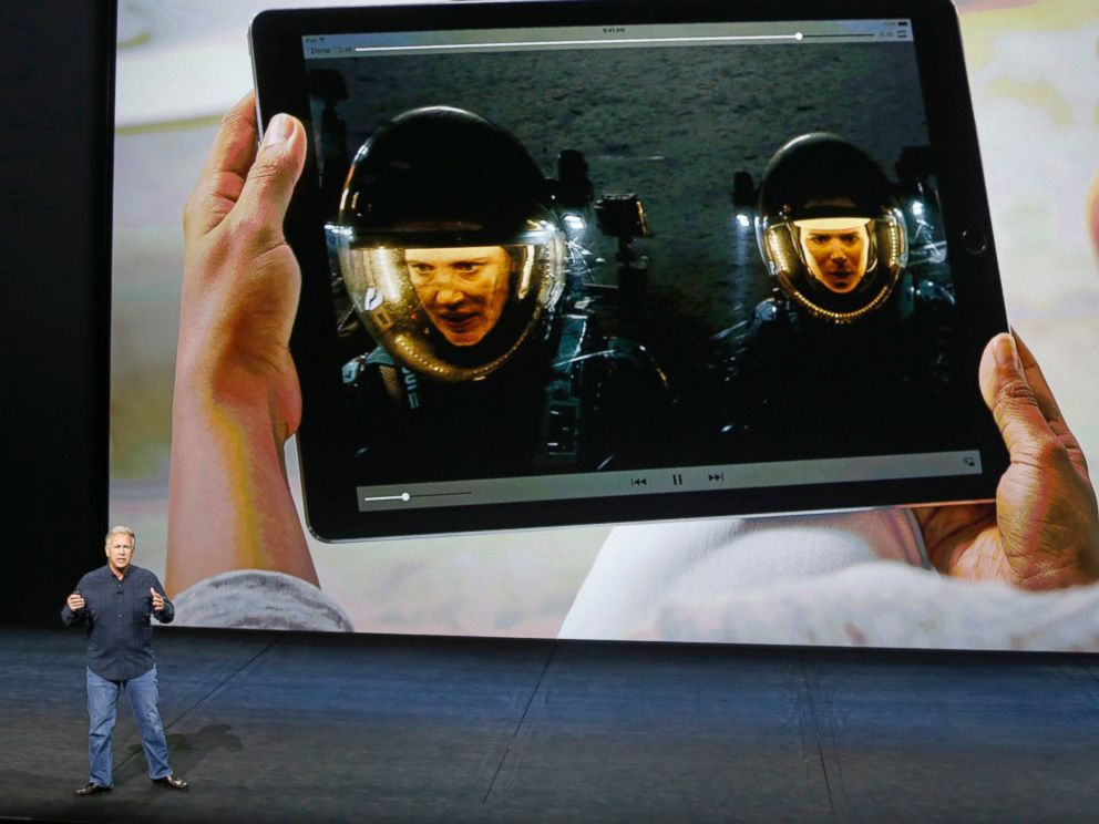 PHOTO: Phil Schiller, Senior Vice President of Worldwide Marketing at Apple Inc, speaks about the new iPad Pro during an Apple media event in San Francisco, Sept. 9, 2015.