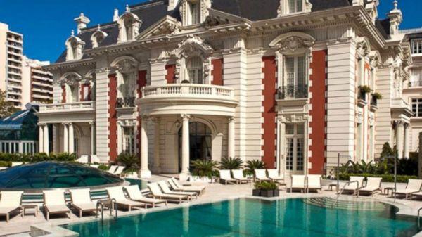 Luxury Travel Job Taking Applicants - ABC News