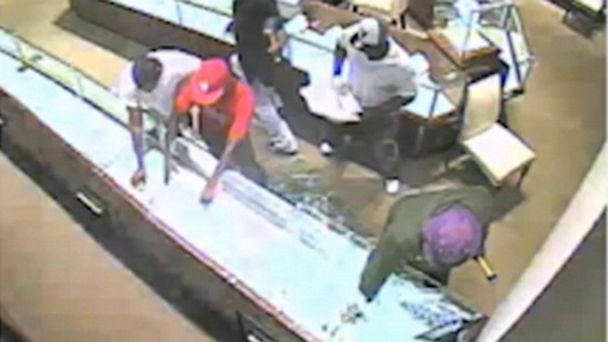 ABC stolen watches ll 130625 16x9 608 WATCH: Thieves Take Over $900K in Watches in 30 Seconds