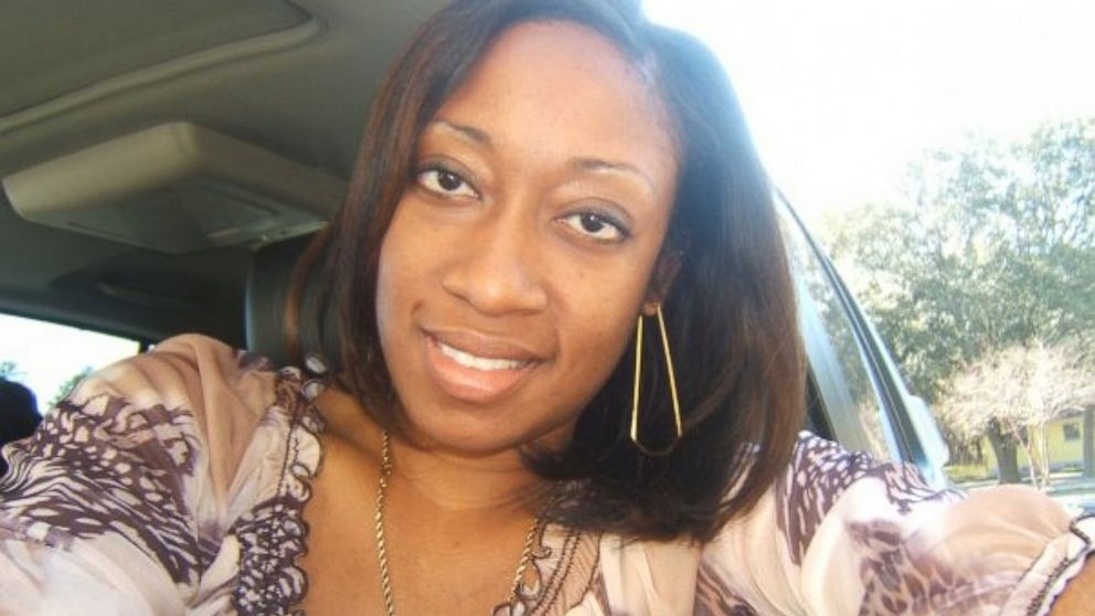 PHOTO: Marissa Alexander in her car in Tampa, Fla.