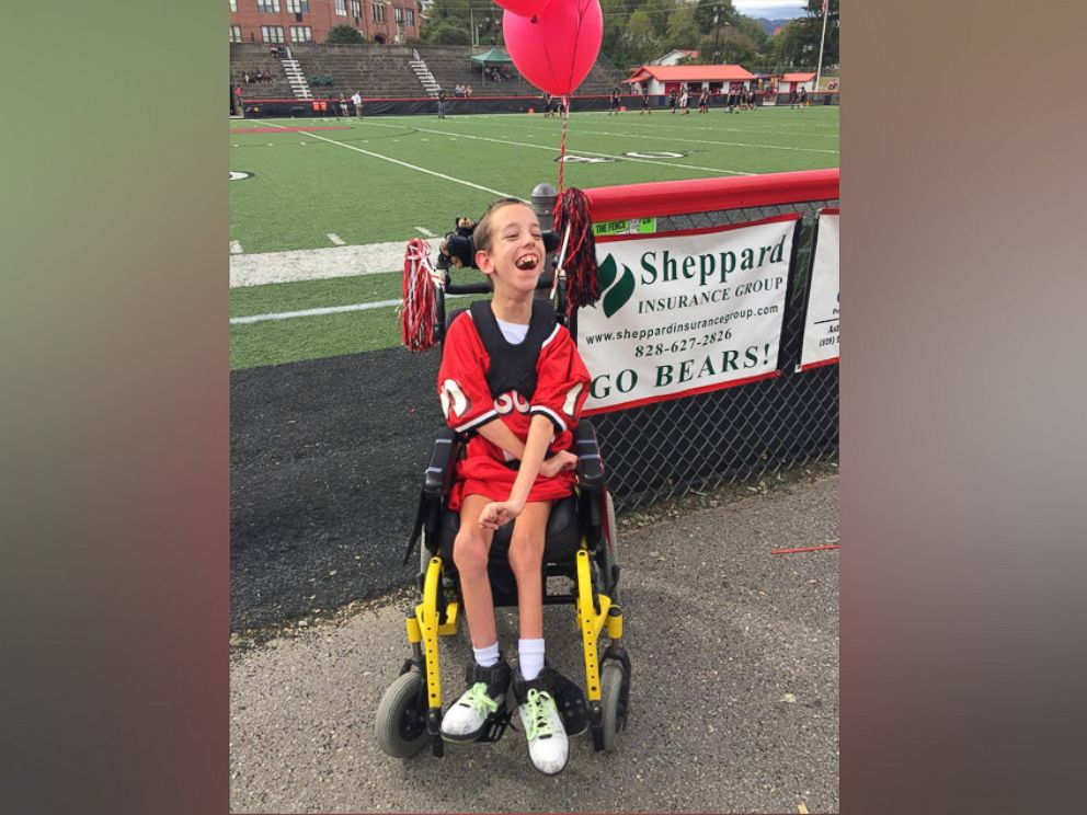 PHOTO: The Canton Middle School football team arranged for 15-year-old Lou Stamey, who has cerebral palsy, to score a touchdown at the beginning of last weeks game.