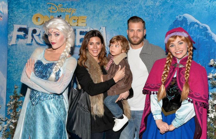 Jamie-Lynn Sigler and Cutter Dykstra Take Their Son to ...