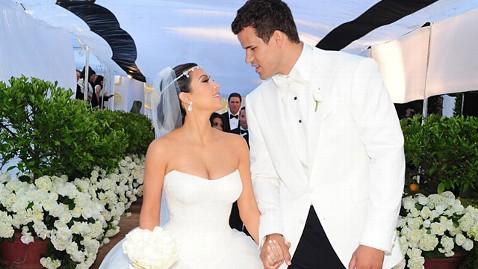 st kim kardashian kris humphries wedding ll 111031 wblog Kim Kardashian, Kris Humphries Divorcing