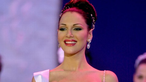 ap eva ekvall jef 111220 wblog Venezuelan Beauty Queen Eva Ekvall Dies of Cancer at 28
