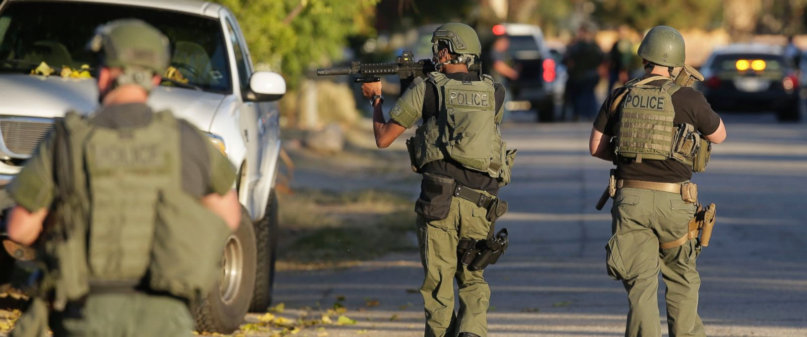 PHOTO: Law enforcement search for a suspect in a mass shooting at a Southern California social services center on Wednesday, Dec. 2, 2015, in San Bernardino, Calif.