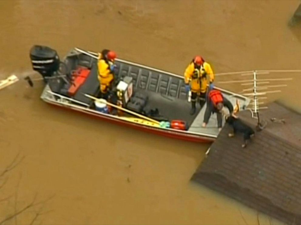 PHOTO: Firefighters rescued a man and his dog from the roof of a home in Eureka, Mo.