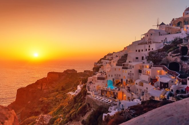 Santorini sunset oia
