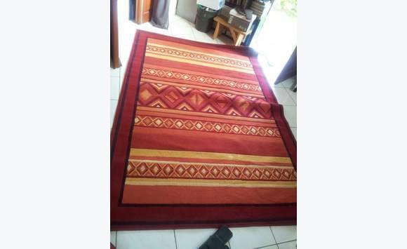 tapis de chez but meubles et