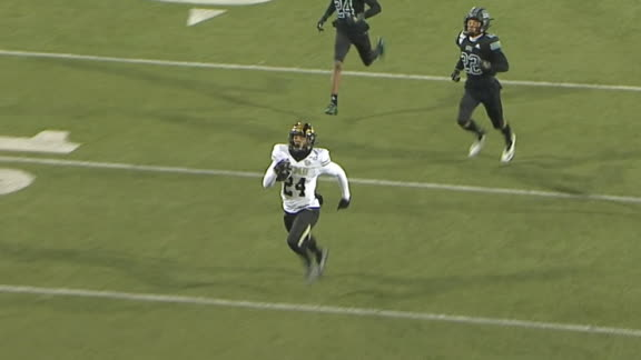 Moore's catch-and-run goes for 61-yard TD