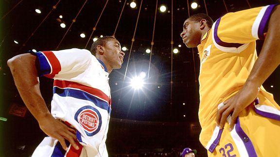 """O tipoff está dado para a tão esperada """"Série Top 10"""" do NBA 1on1! Nós começamos pelos generais dentro da quadra, aqueles que iniciam todas as jogadas, os Armadores."""