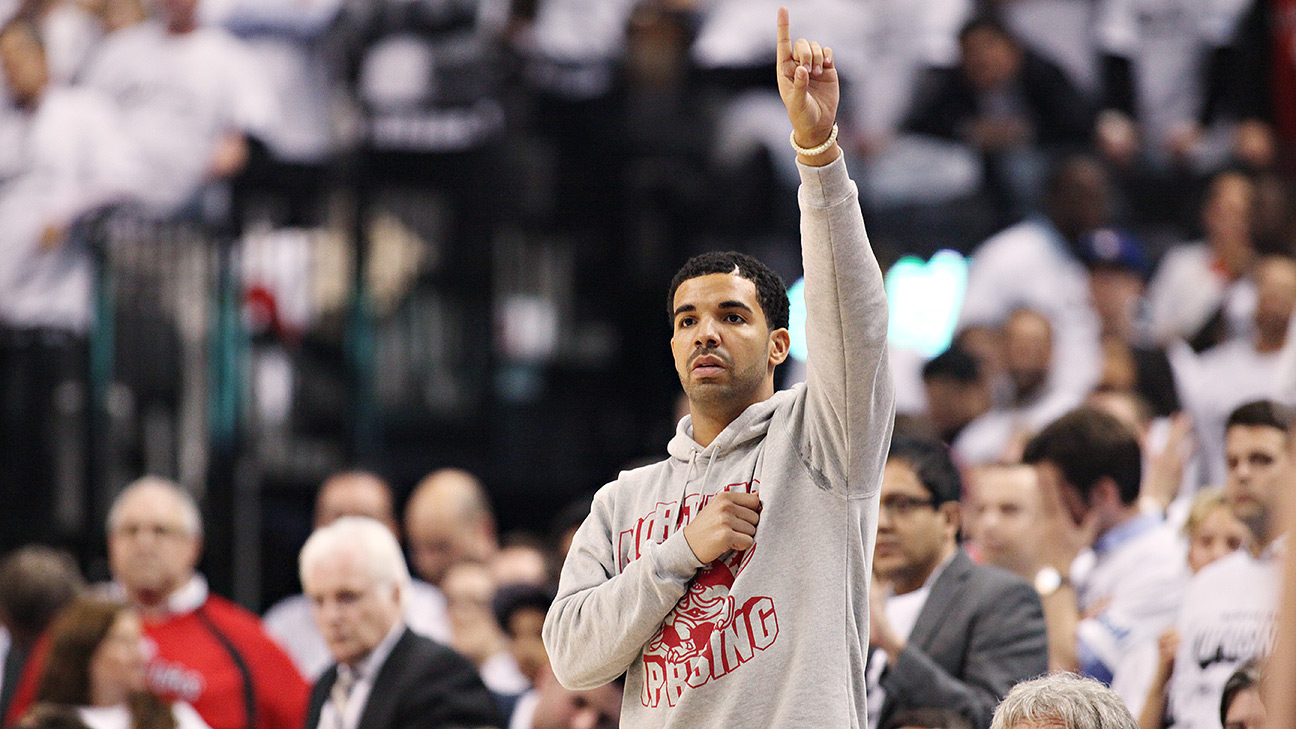 Reliving The Best Drake Moments From The Toronto Raptors