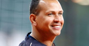 Sources: A-Rod, Lore nearing deal to buy Wolves