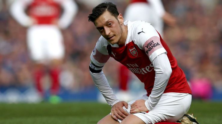 Mesut Ozil looks on during Arsenal's Premier League loss at Everton.