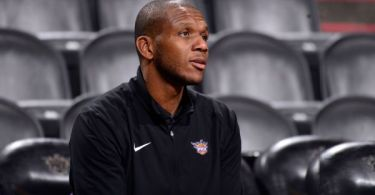 Suns GM 'geeked' to face ex-teammate LeBron