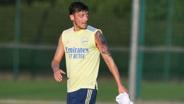 Mesut Ozil's agent calls out Arsenal, Arteta over playmaker's exile: 'Fans  deserve honest explanation'