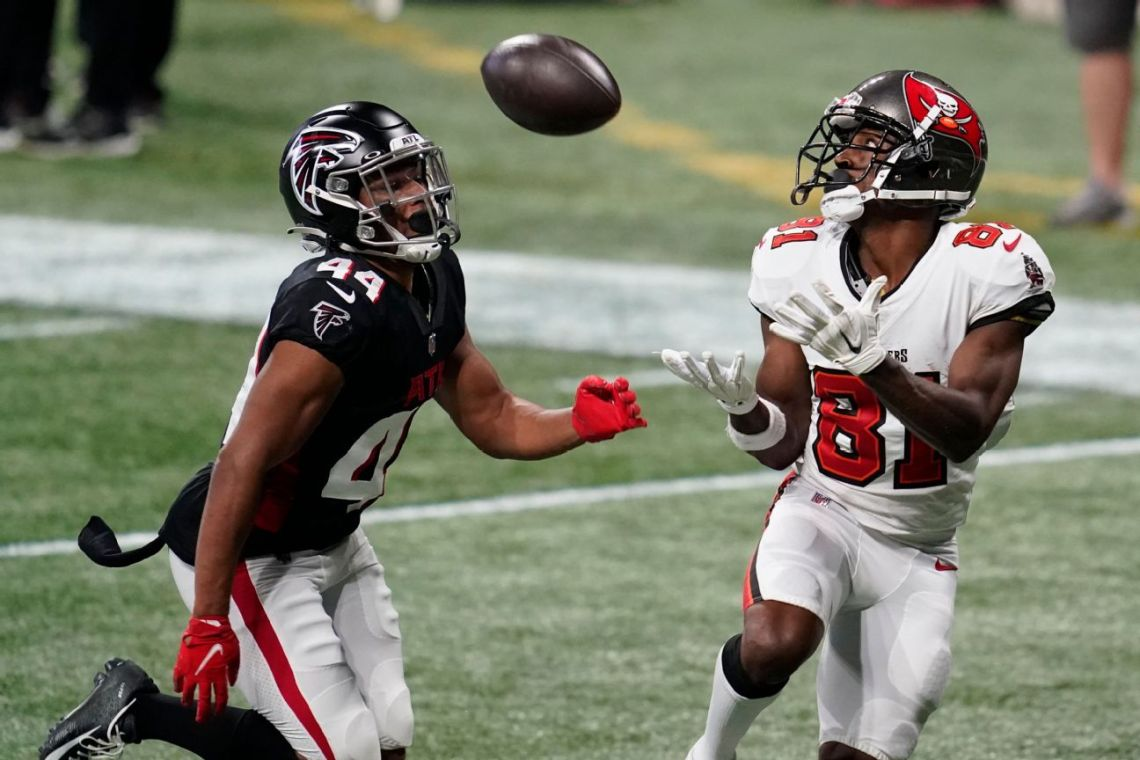 Brown rejoining Bucs on 1-year deal, agent says