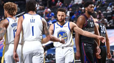 'Mind-boggling': Dubs in awe of latest Curry feat