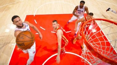 Simmons challenged by Rivers, fuels 76ers' rout