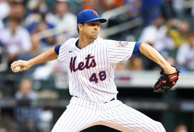 DeGrom's MRI clean; Mets taking it 'day by day'