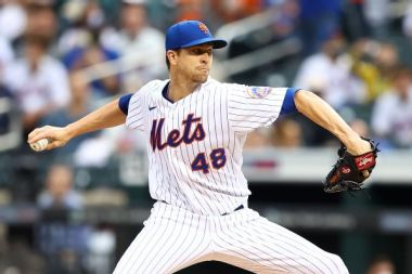 Mets' deGrom pulled from start with elbow issue