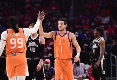 Booker: Nose, mask not problem in Suns' loss