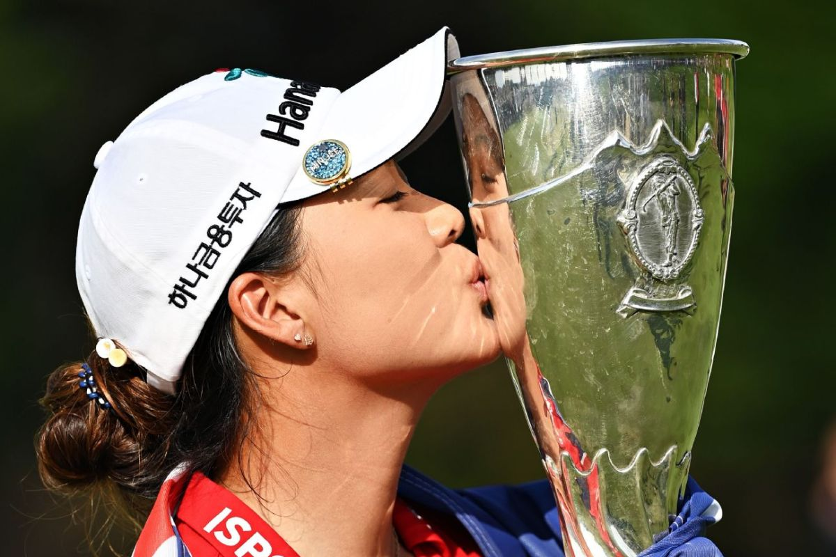 Lee wins first major, tops Lee6 in Evian playoff