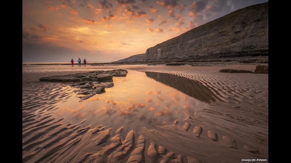 Puesta de sol sobre la Bahía de Dunraven, de Joaquim Pinho