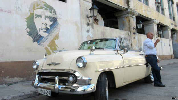 Muchos cubanos creen que la situación mejorará si se retira el embargo.