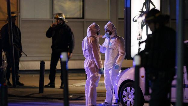 Investigadores forenses