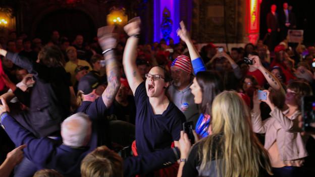 En Kansas, también se produjeron disturbios durante un acto de Trump.