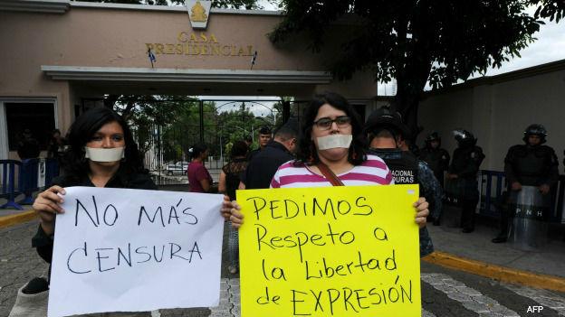Protesta ante la Casa Presidencial de Honduras