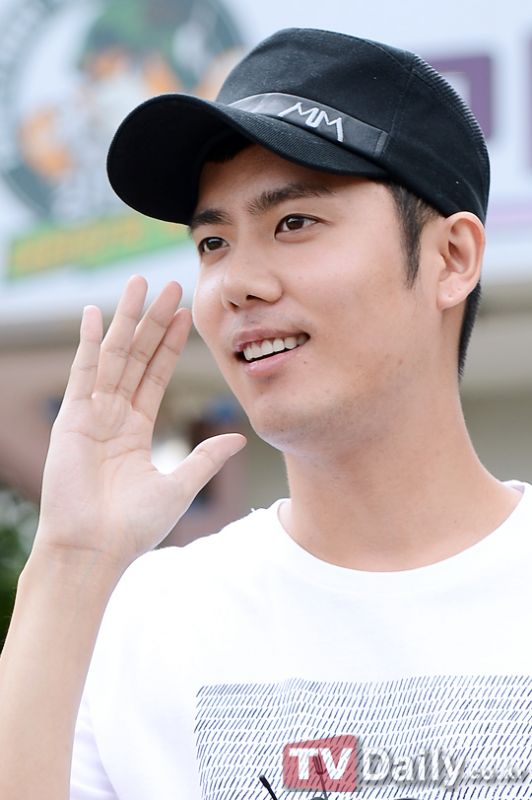 SS501成員金圭鐘22日退伍「電視劇唱片等復出活動正在相討中」 - KSD 韓星網 (明星)