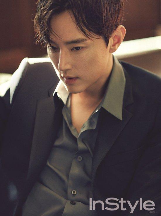 權律:想挑戰演出有反轉魅力的角色 - KSD 韓星網 (畫報)