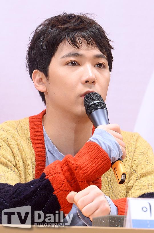 李洪基出席KBS電臺節目《Kiss The Radio》記者會 - KSD 韓星網 (明星)