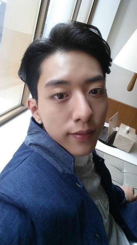 CNBLUE李正信在推特與粉絲交流 - KSD 韓星網 (明星)