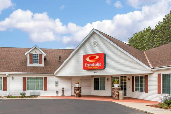 Econo Lodge Inn & Suites in Eau Claire, WI 54701 | Citysearch