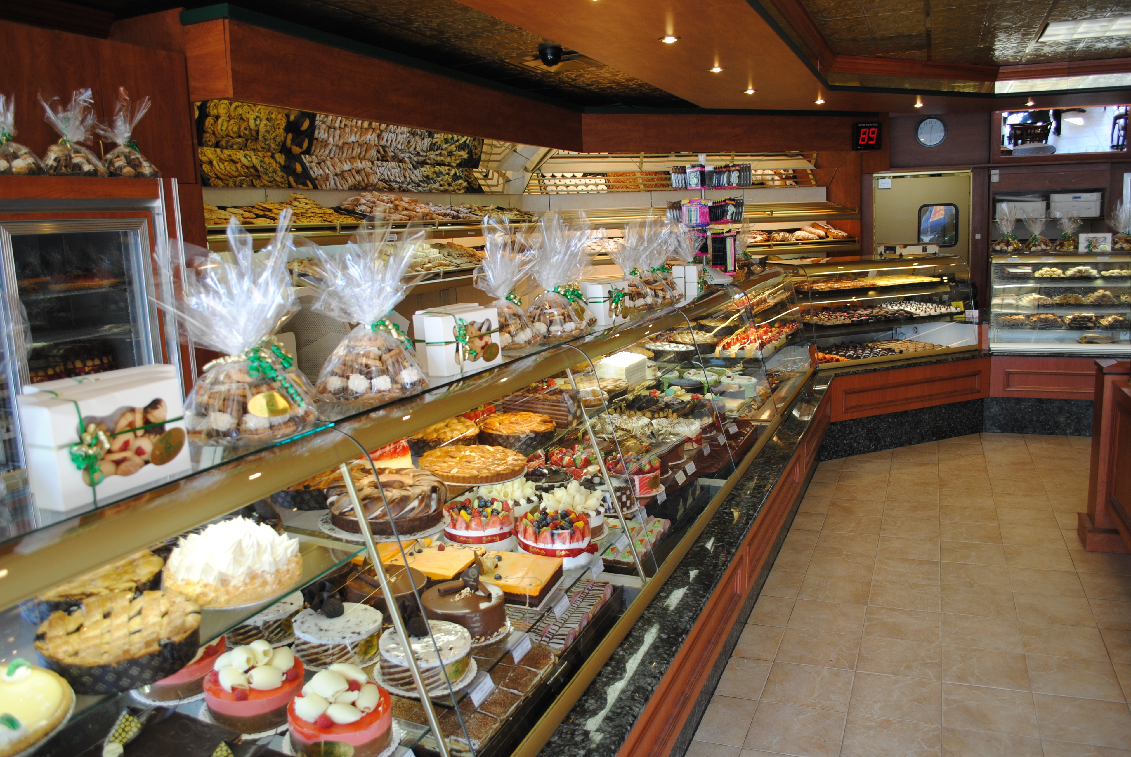 Store Near Pastry Me