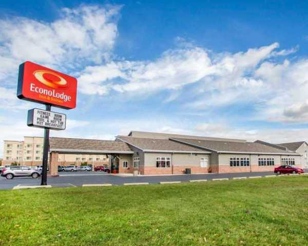 Econo Lodge Inn & Suites in Green Bay, WI 54304 | Citysearch