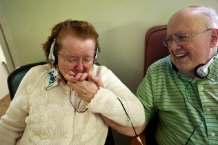 「music therapy alzheimers」の画像検索結果