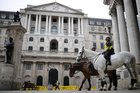 Bank of England asks banks about readiness for negative rates