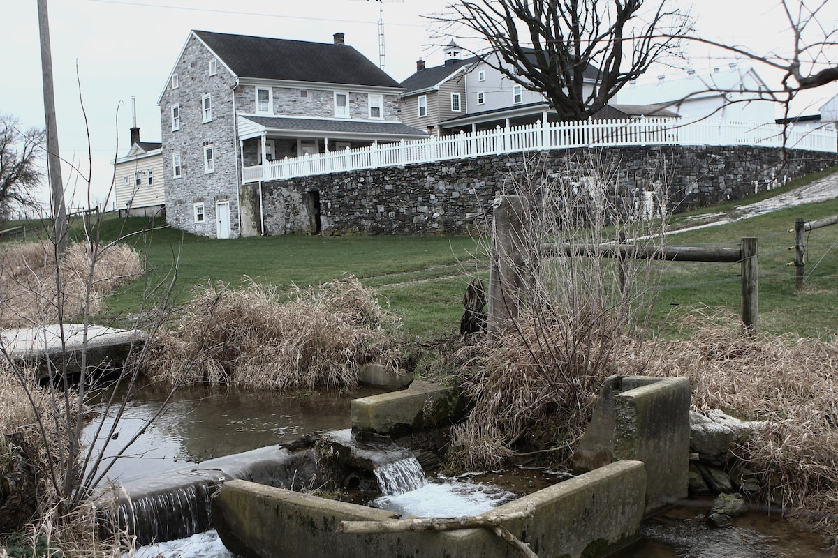 1793 Stone Farmhouse Houses For Rent In New Holland