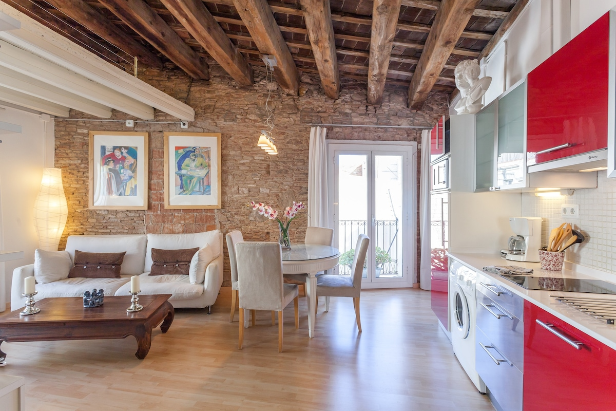 ROMANTIC FLAT IN THE HEART OLD BCN Apartments For Rent