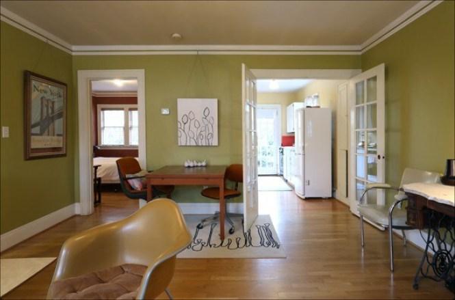 Hawthorne Belmont Vintage Apartment
