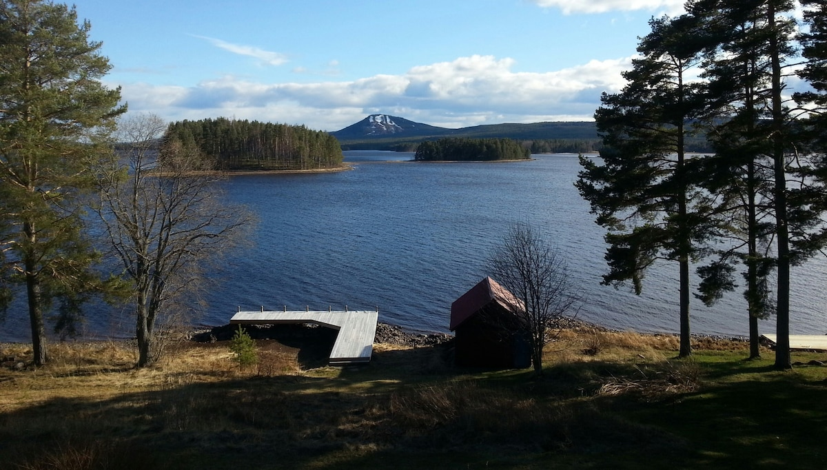 Swedish Cottage By Lake Siljan Mora Dalarna Houses For