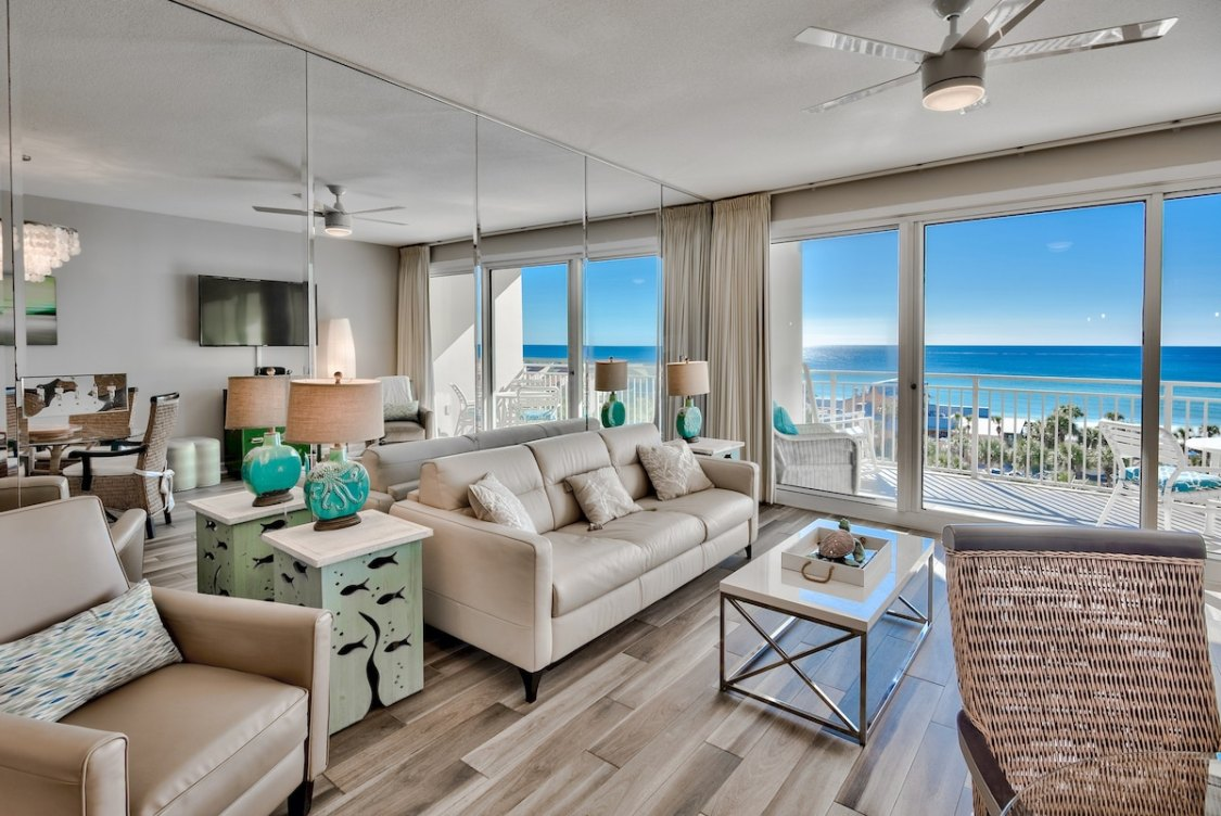 phenomenal beach view from one of the best Destin Florida Airbnbs