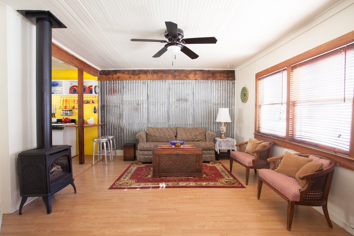 Cozy Historic Bisbee Vacation Cottage Summer Cool    Cottages for     Cozy Historic Bisbee Vacation Cottage Summer Cool    Cottages for Rent in  Bisbee  Arizona  United States