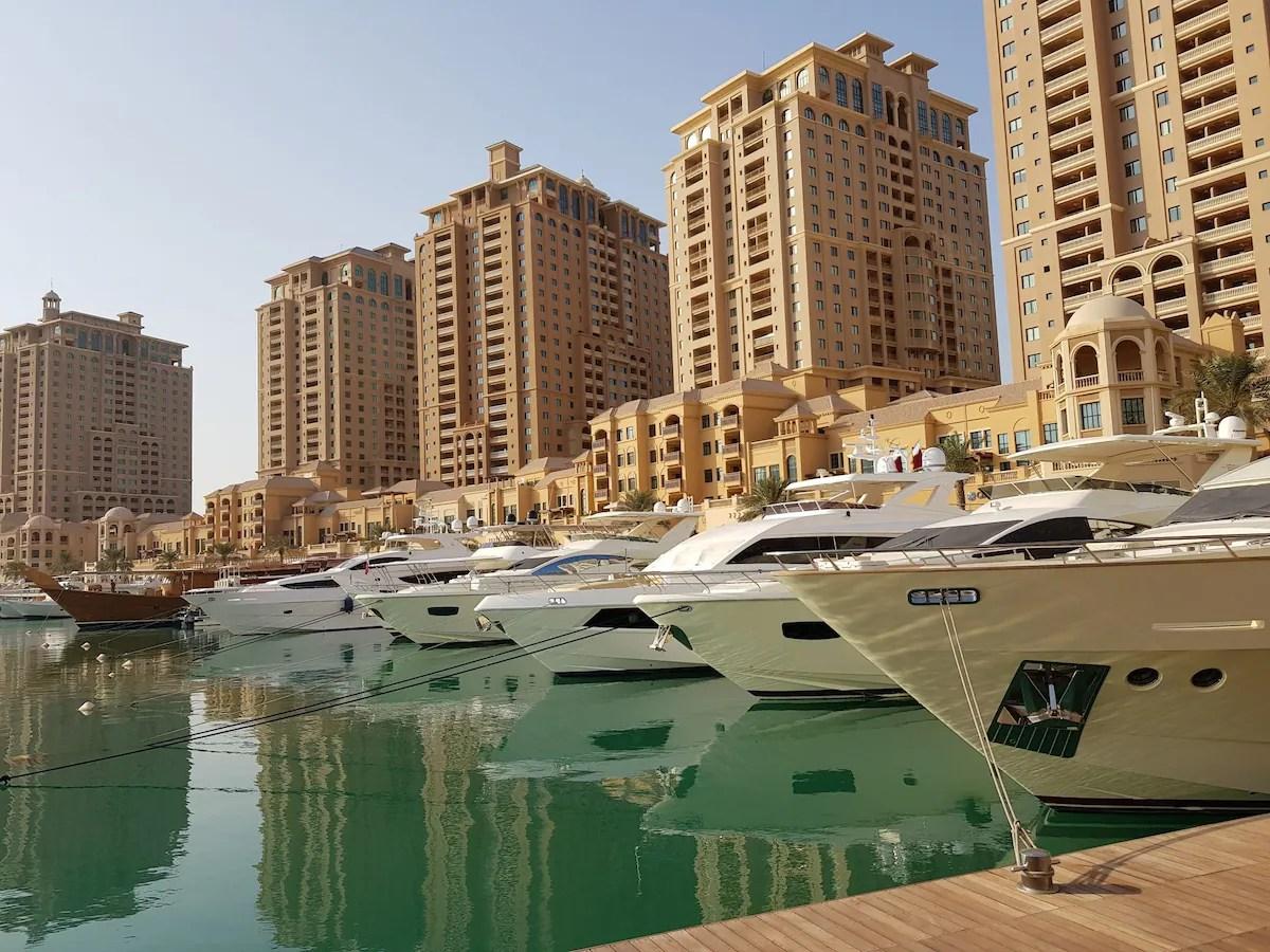 Marina View PEARL QATAR 2 Bedroomlarge Living