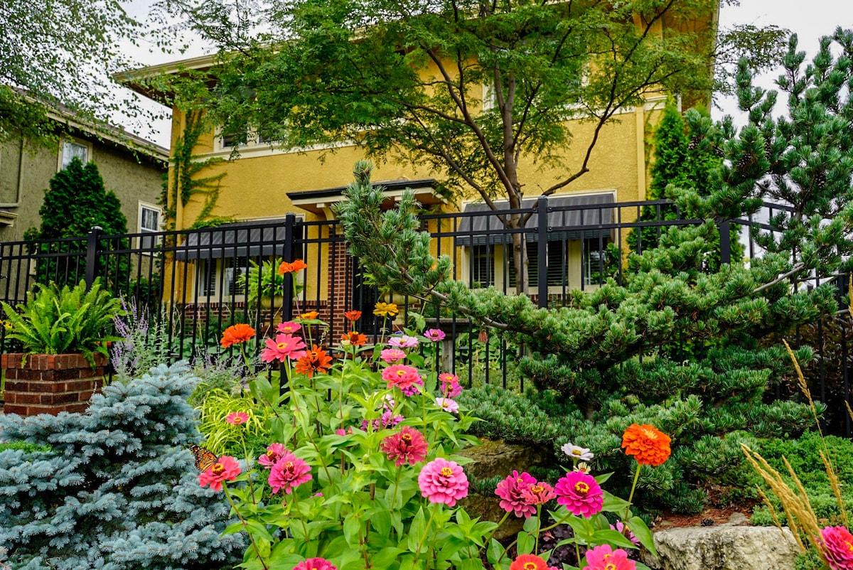 private garden suite in powderhorn