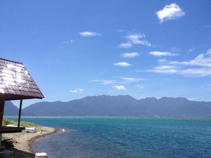 Beach Bungalow At Lake Maninjau Bungalows For Rent In Bukittinggi West Sumatra Indonesia