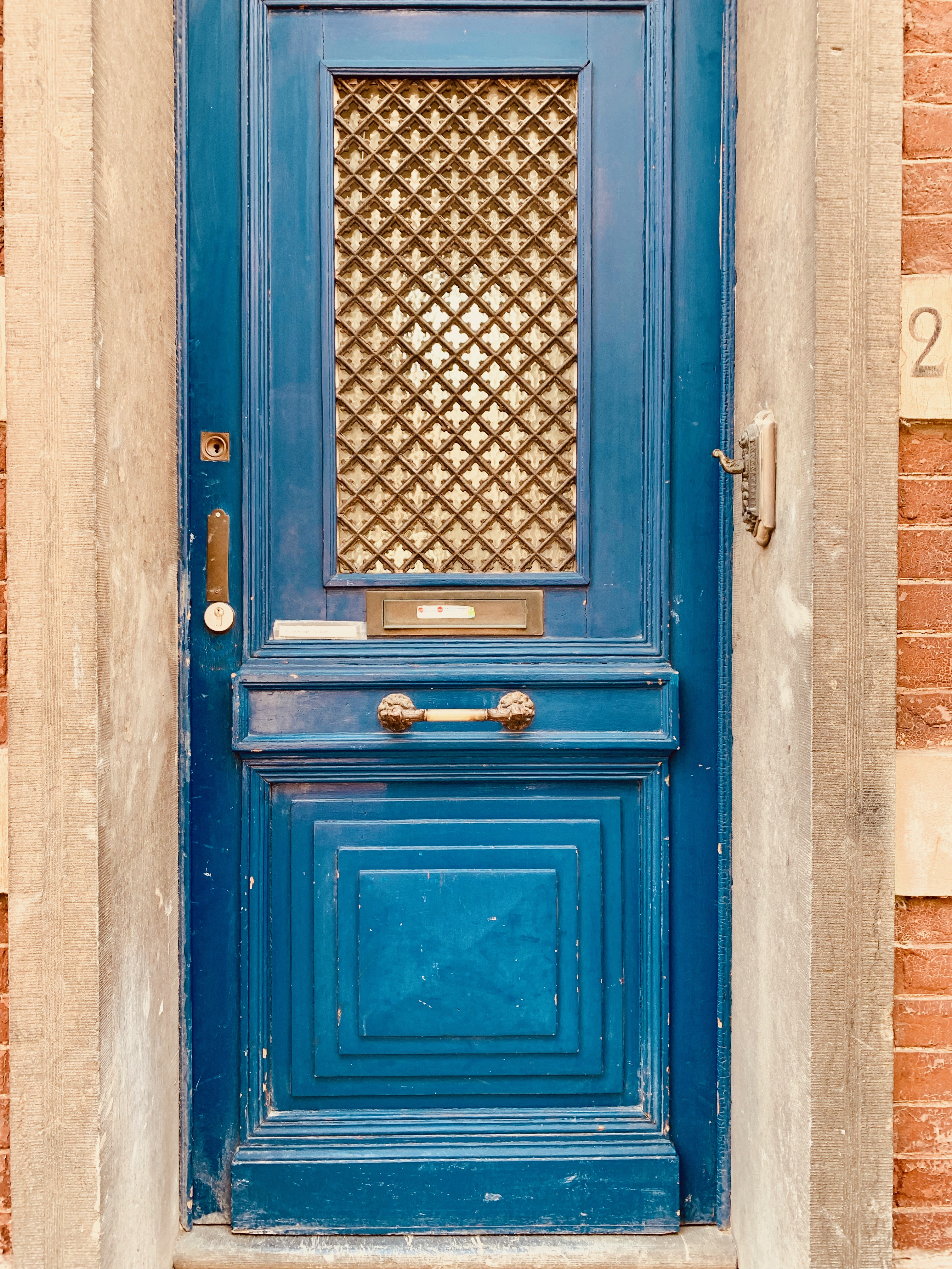 brussels blue door friends and family